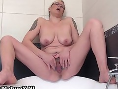 lustful housewife widening and pleasing part1