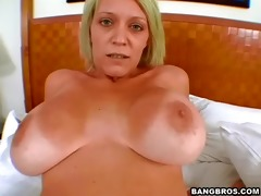 hawt mommy drilled in the throne-room