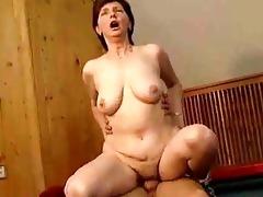 hawt sporty mommy fucking hard