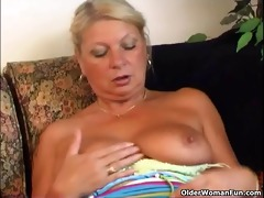 granny irena gives her old vagina a good fuck