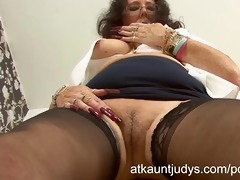 zadi rubs and fingers her vagina in the office.
