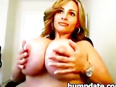 mother i with huge scoops toying her slit