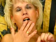 blonde d like to fuck plays with vibrator