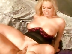 bootylicious blond d like to fuck with large