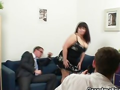 chubby slut is double drilled after photosession