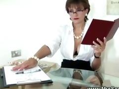 cuckolds wife sucks shlong