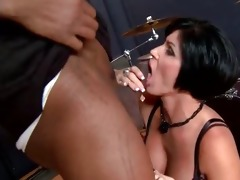 mamma giving oral-stimulation to dark pounder