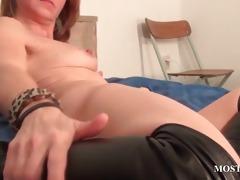 wet crack masturbation with hawt mature