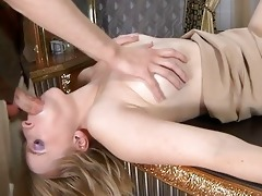 smashing d like to fuck chick getting hooked