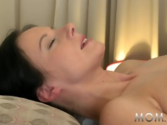 mamma dark brown has the massage of her life