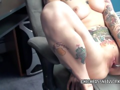 tattooed mother i scarlett storm stuffs her