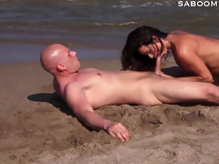 latin chick milf copulates and squirts on