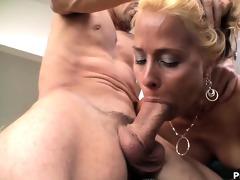 blond cougar payton leigh warming up her cum-hole