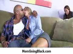 sexy d like to fuck mamma sucks and bonks a