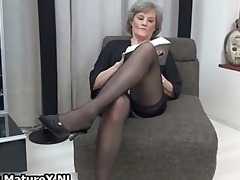 older housewife in hawt dark nylons part7