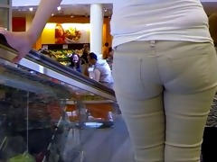 candid - hot mother i constricted jeans pantie