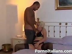 porn italian - bionda succhia cazzone italiano -