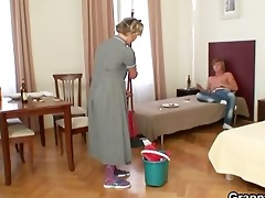 cleaning woman gives up her old love tunnel