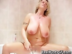large jiggy marangos d like to fuck showering