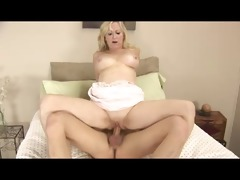 golden-haired granny t live without the smack of