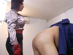 ella kross:spanking the underling