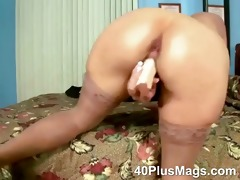 breasty mature unshaved love tunnel solo
