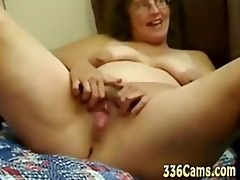 sexy aged vagina play with vibrator and fist od