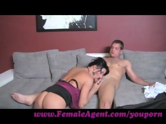 femaleagent. the art of engulfing