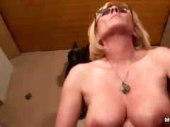 perverted mature in glasses working her old slit
