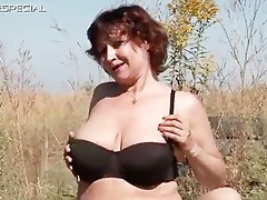 sexually excited d like to fuck gets her hairy