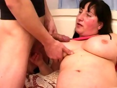 fat mamma with saggy boobs, hirsute wet crack