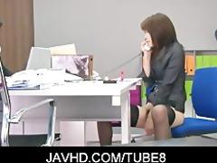 sexy japanese hotty hojo maki toying her slit