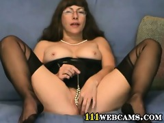 pussy games in livecam by a aged fetish lady in