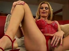 darryl hanahs one wild and naughty blond mother i