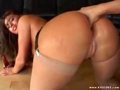 bulky booty