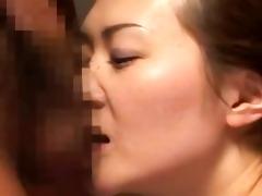 oriental d like to fuck sucks rod on her knees