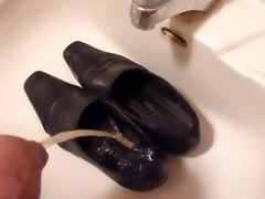 peeing in wifes work shoes
