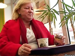knob hungry grandma is pounded