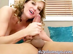 lonely aged housewife enjoys her fuck buddy