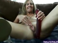 hawt hawt older vanylla gives a foot job