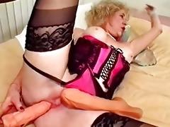 granny sex-toy bonks her love tunnel
