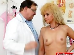 mom acquires a great gyno checkup