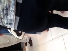 overweight butt white milf in leggings 1