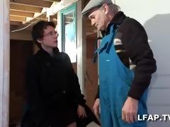older francaise paye avec son corps