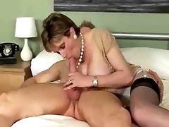 breasty older girl can giving a sloppy bedroom