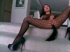 astounding oriental mother i asa akira gives great