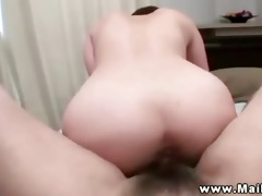 oriental d like to fuck receives her beaver